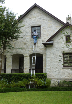 Residential and Commercial Window Cleaning & Window Washing Services in Cinco Ranch